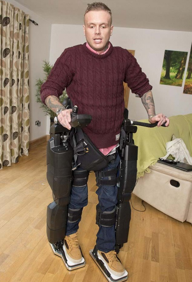 Ben Barnes will walk down the aisle using an exo skeleton. Image Mirrorpix via Daily Mail