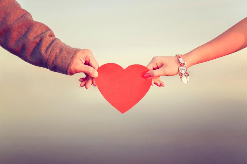 Romantic-ways-to-celebrate-Valentine's-Day-(1)