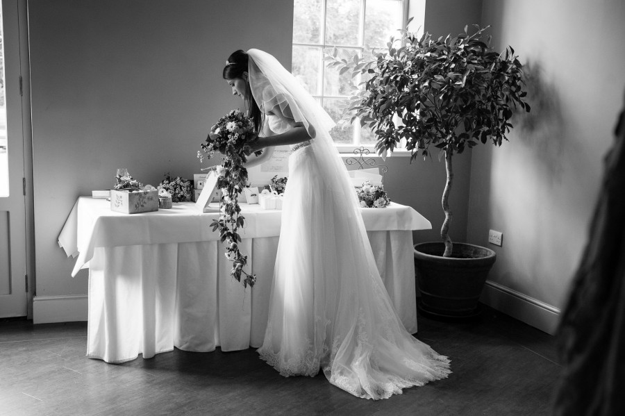 Naomi_James_Classic-English-Wedding_024
