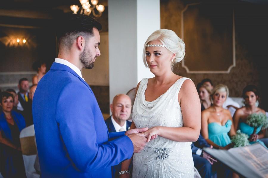 Fiona_Ian_Beach-Wedding_011