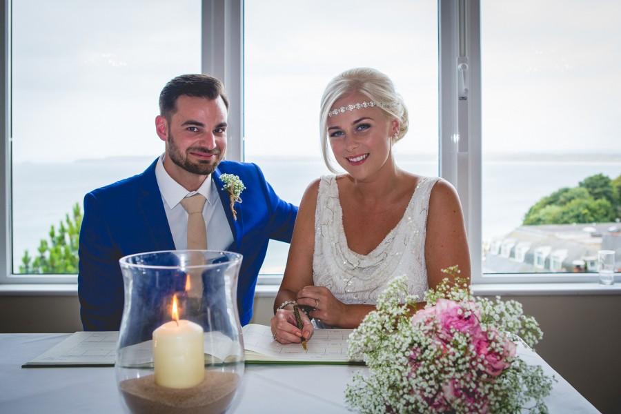 Fiona_Ian_Beach-Wedding_012
