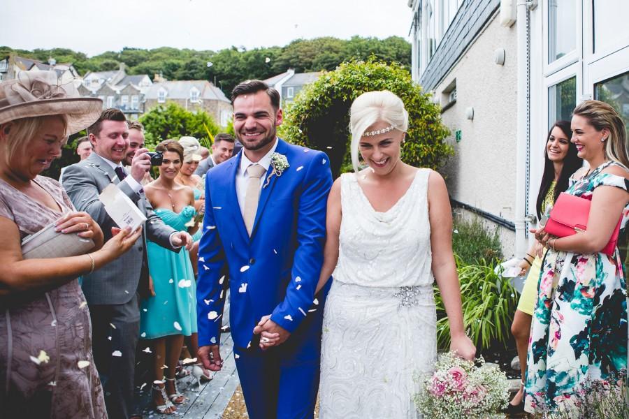 Fiona_Ian_Beach-Wedding_013