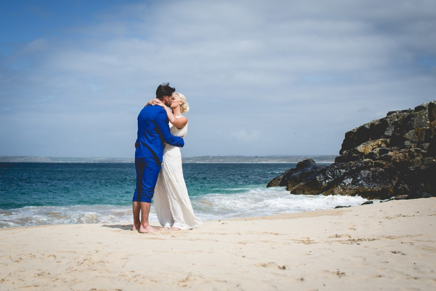 Fiona_Ian_Beach-Wedding_019