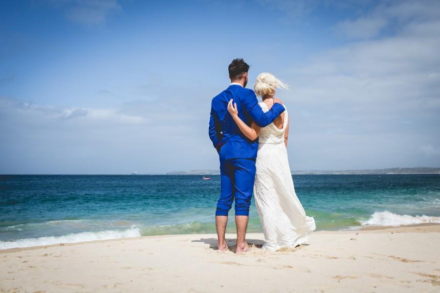 Fiona_Ian_Beach-Wedding_020