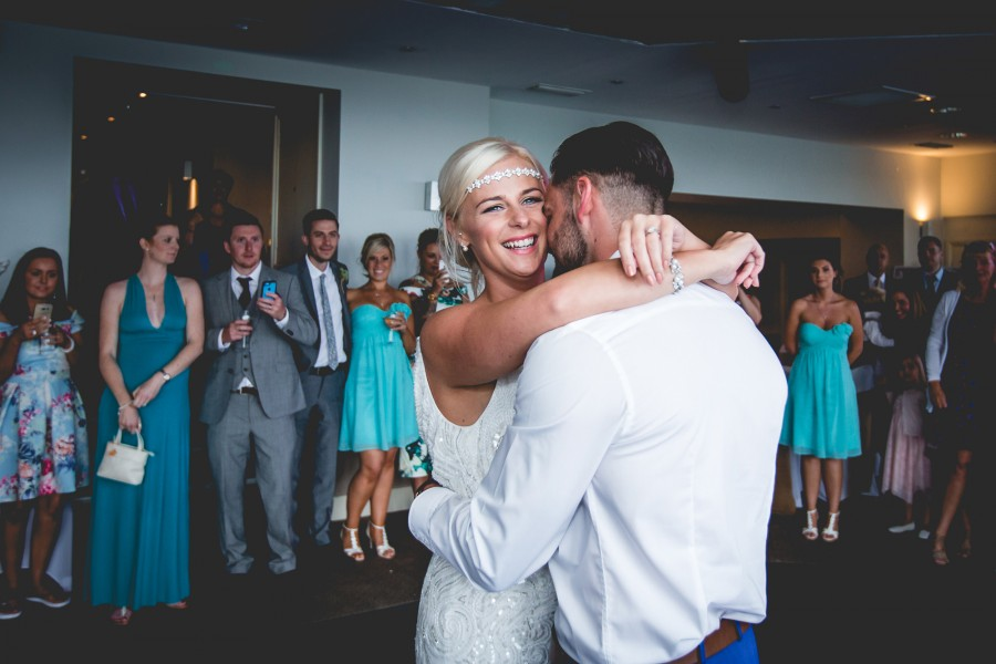 Fiona_Ian_Beach-Wedding_037