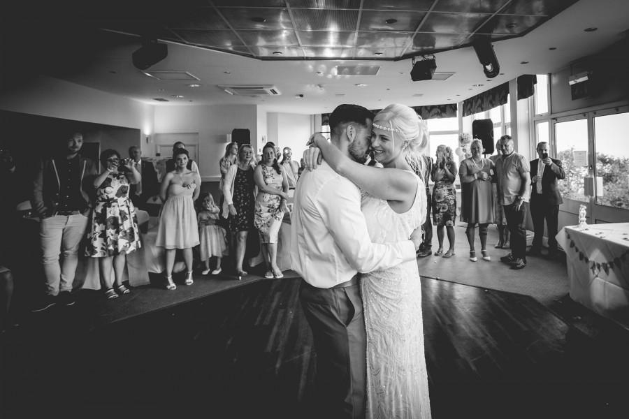 Fiona_Ian_Beach-Wedding_038