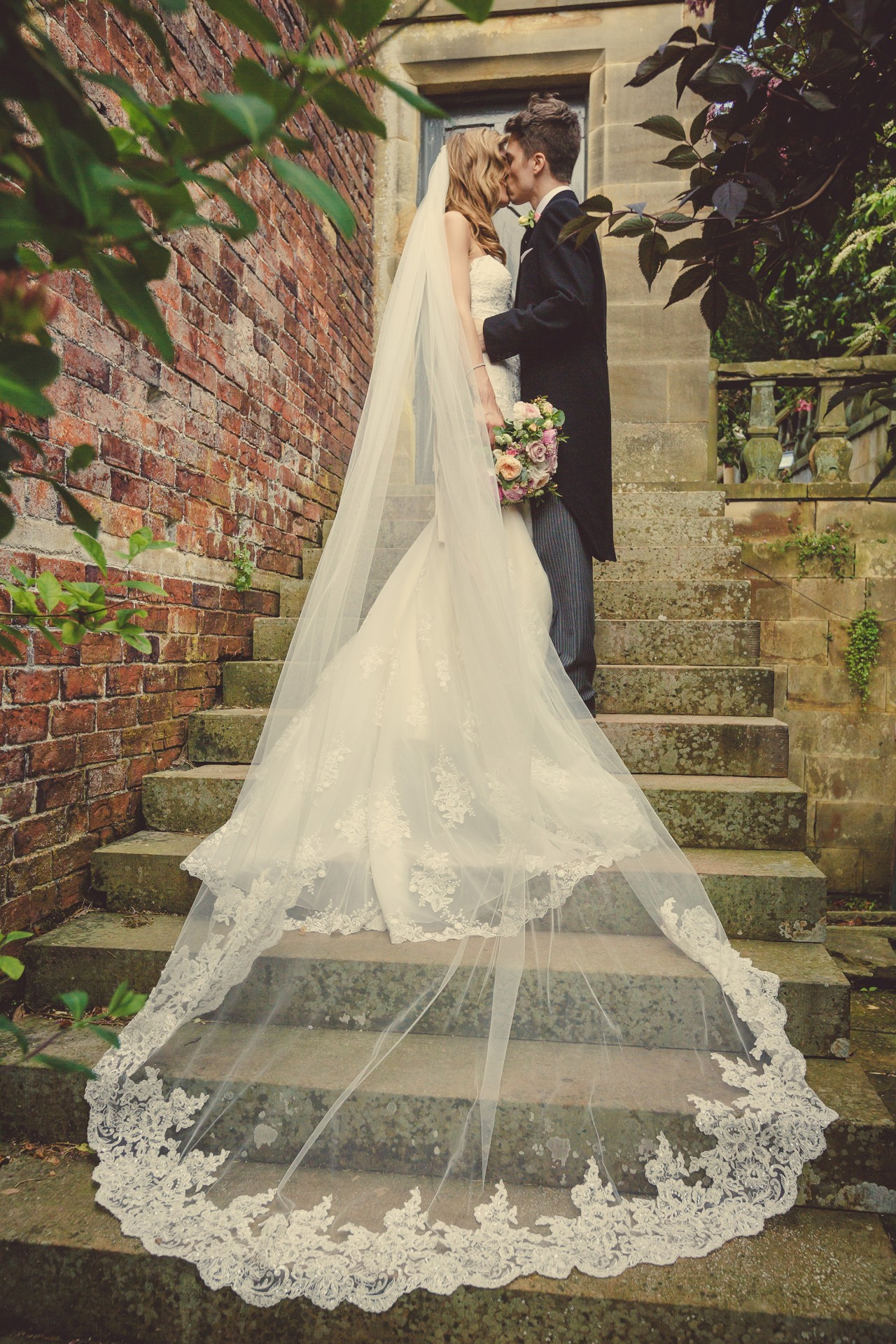 Clare_David_Romantic-Wedding_032