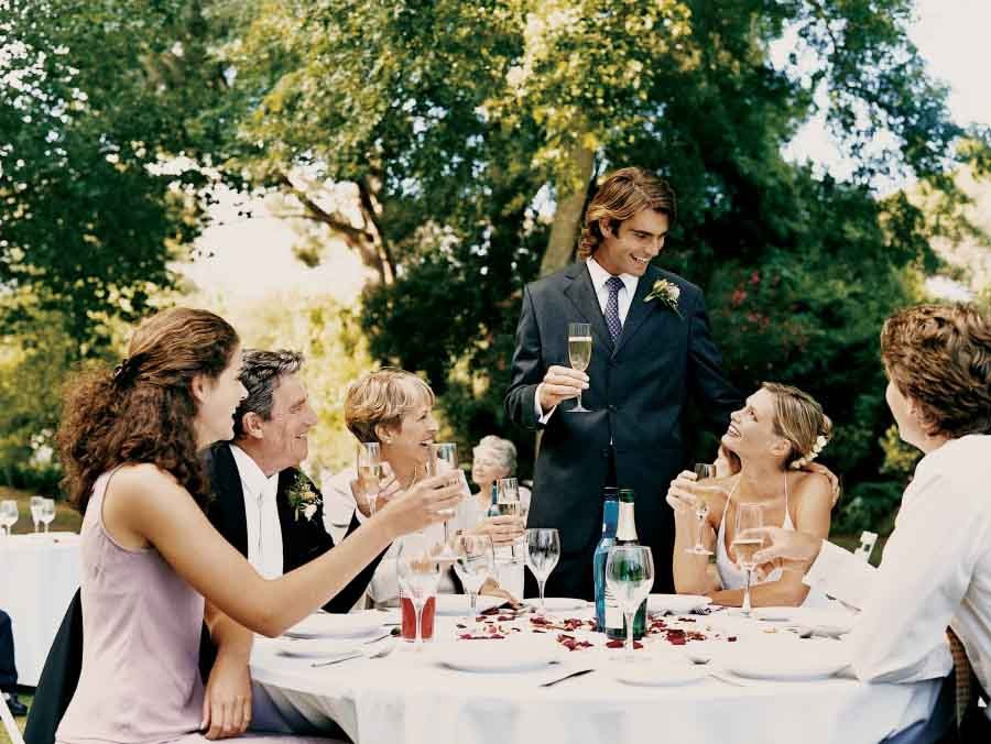 best wedding guest behaviour