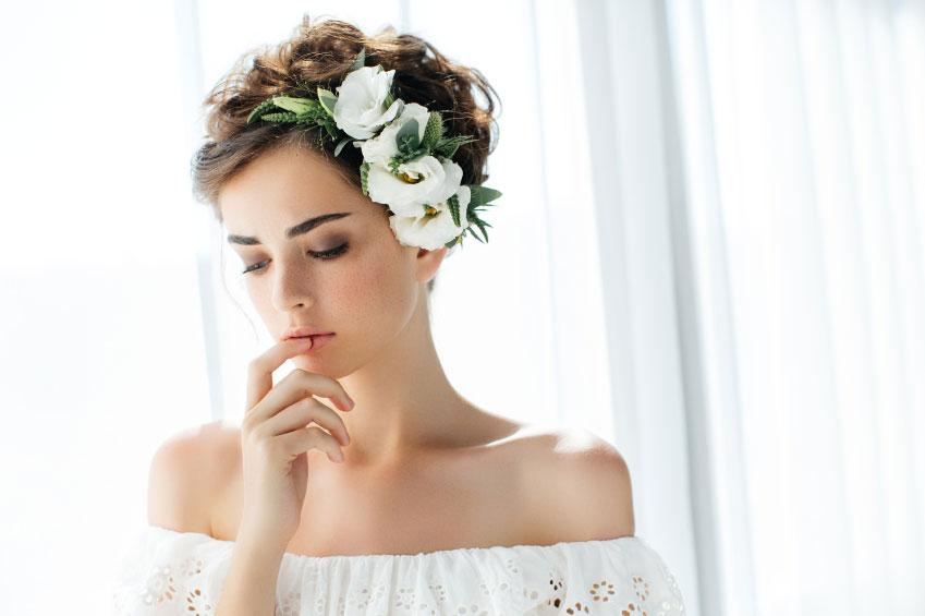 bride-make-up-on-her-wedding-days